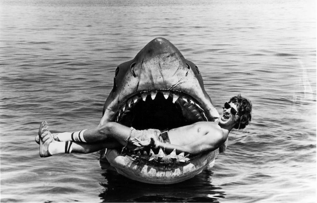 jaws-bluray-dvd-2074_BW_00012A_rgb.jpg