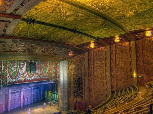 Paramount Movie Palace, Oakland. Built in 1931 by Paramount Publix Corporation. Interior photo by BW Chicago