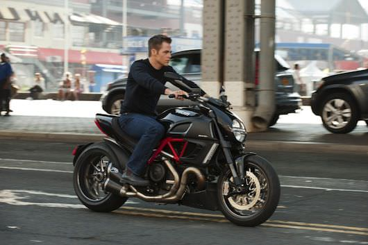 Chris Pine plays the young Jack Ryan, cruising the downtown streets of Manhattan for 'Jack Ryan: Shadow Recruit.' Photo credit: David Lee Courtesy Paramount Pictures.