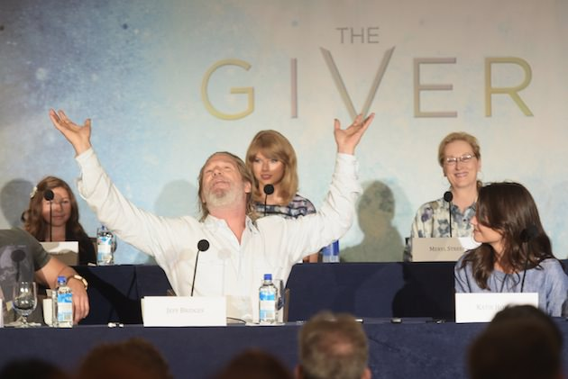 (L-R back row) Actress Emma Tremblay, actress/musician Taylor Swift, and actors Meryl Streep,(L-R front row), Jeff Bridges and Katie Holmes take part in a press conference. (Photo by Michael Loccisano/Getty Images for The Weinstein Company)