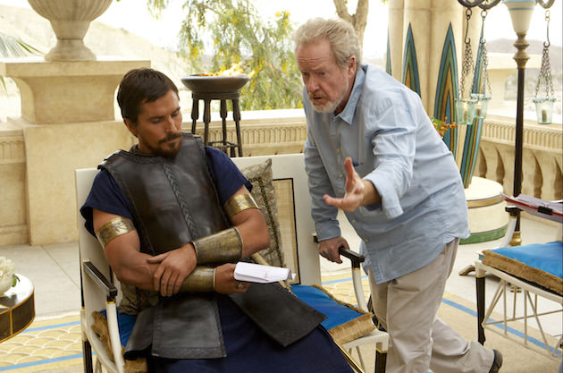 Ridley Scott reviews a scene with Christian Bale on set. Courtesy 20th Century Fox.