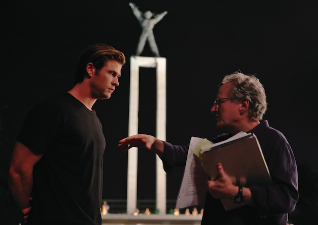 Chris Hemsworth talks with director Michael Mann. Courtesy Universal Pictures.