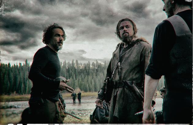 L-r: Alejandro González Iñárritu, Leonardo DiCaprio and Emmanuel Lubezki on the set of 'The Revenant.' Photo by Kimberely French. Courtesy 20th Century Fox.