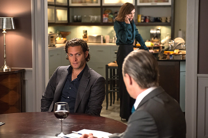 """Oppo Research"" -- When Alicia agrees to further explore the option of running for State's Attorney, Eli brings a respected campaign manager into the fold to help her decide once and for all, on THE GOOD WIFE, Sunday, Oct. 12 (9:00-10:00 PM, ET/PT), on the CBS Television Network.  Pictured (L-R) Julianna Margulies as Alicia Florrick,  Steven Pasquale guest stars as Jonathan Elfman and Alan Cumming as Eli Gold  Photo: Jeff Neumann ©2014 CBS Broadcasting, Inc. All Rights Reserved"