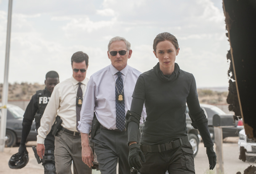 Kate Macer (Emily Blunt, right), Dave Jennings, (Victor Garber, center right), Phil Coopers (Hank Rogerson, center left) and Reggie Wayne (Daniel Kaluuya, left) in SICARIO. Photo Credit: Richard Foreman Jr. SMPSP
