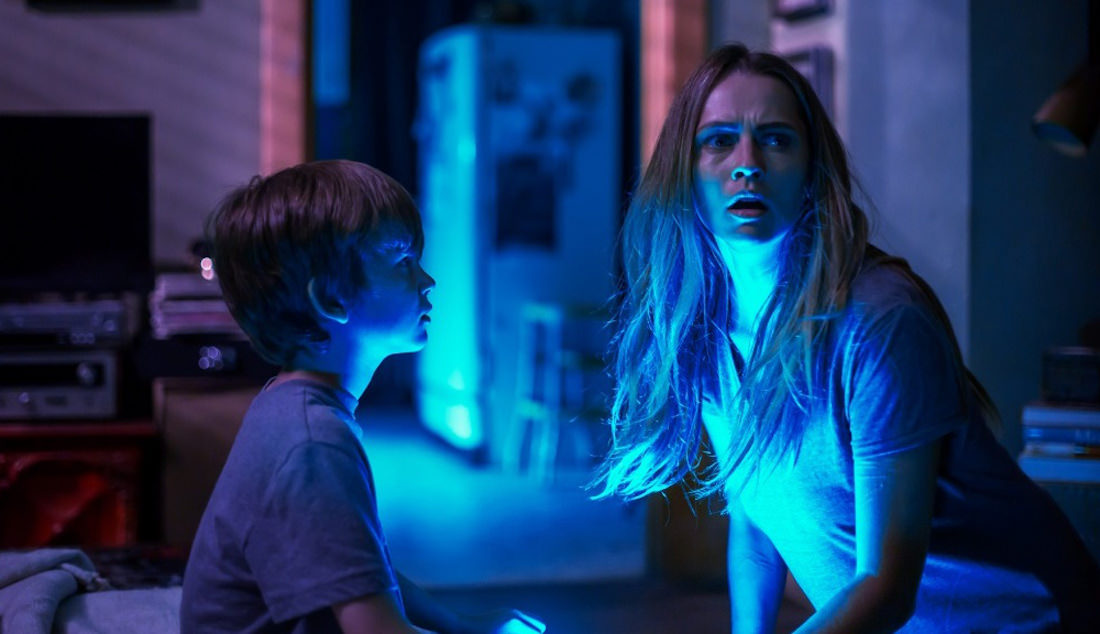 How Lights Out Writer Stretched Fear Of Dark Premise To Feature Length Hit