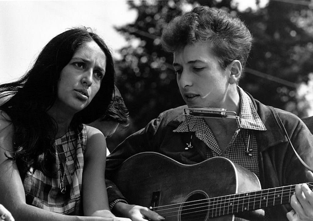800px-Joan_Baez_Bob_Dylan.jpg