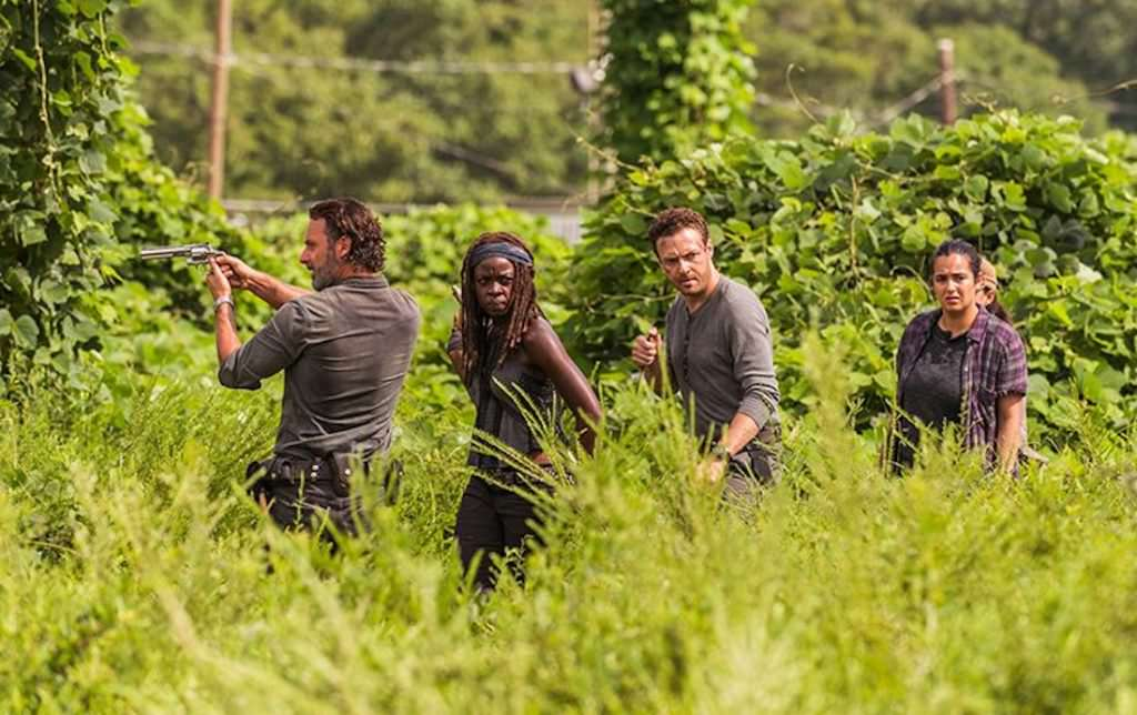 the-walking-dead-episode-709-rick-lincoln-michonne-gurira-pre-800x600.jpg