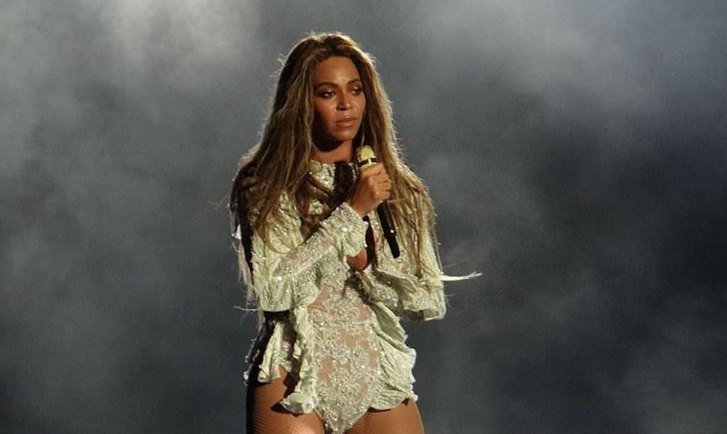 BeyonceFWT10.jpg