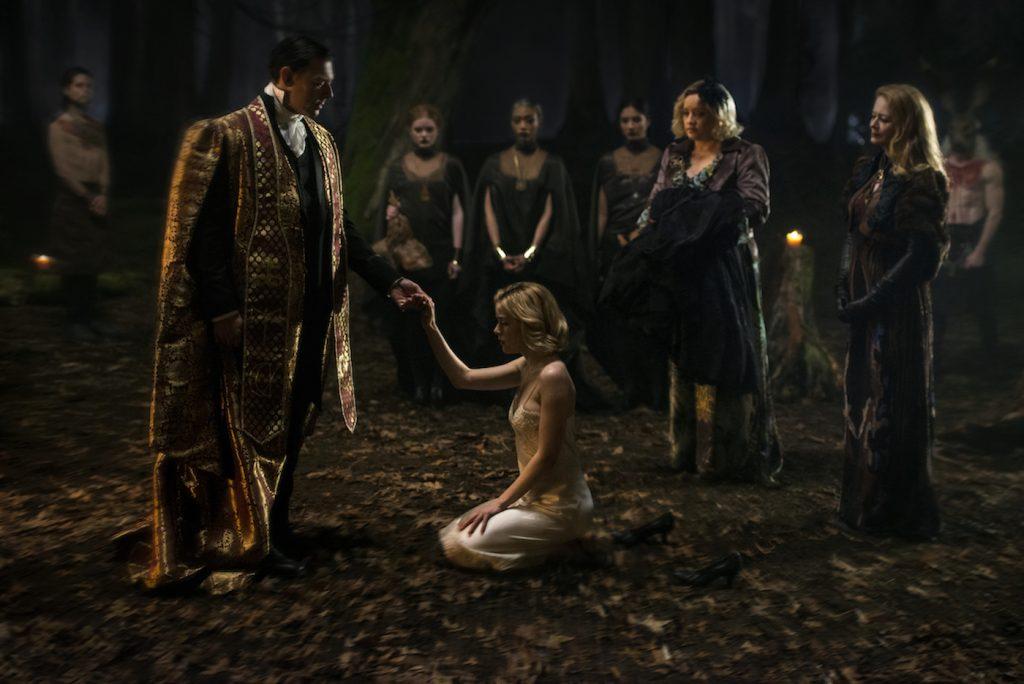 Richard Coyle, Kiernan Shipka, Lucy Davis, Miranda Otto in CHILLING ADVENTURES OF SABRINA. Diyah Pera/Netflix