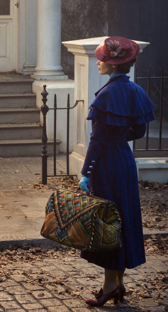 Mary Poppins (Emily Blunt) returns to the Banks home a