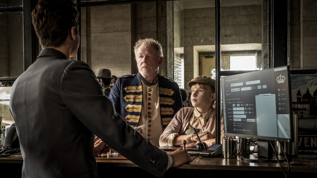 "Caption: (L-R) SOPHIA LANE NOLTE as Matilda and NICK NOLTE as Amadeus in Warner Bros. Pictures drama ""A HEAD FULL OF HONEY,"" a Warner Bros. Pictures Release. Photo Credit: Gordon Timpen"