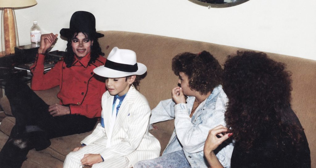 Michael Jackson, Wade Robson, Chantal Robson, Joy Robson (1990). photo: Dan Reed/HBO