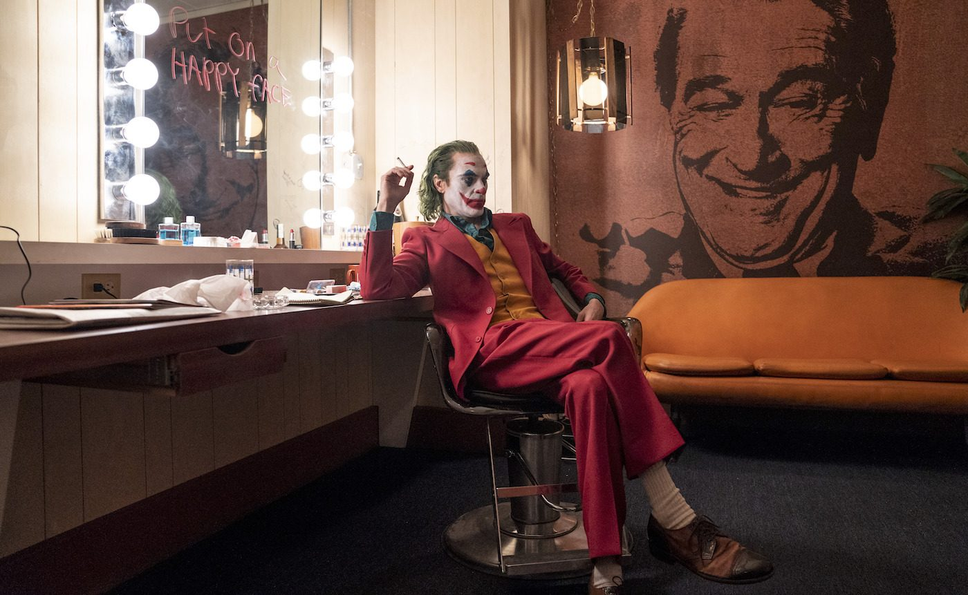 """Caption: JOAQUIN PHOENIX as Arthur Fleck in Warner Bros. Pictures, Village Roadshow Pictures and BRON Creative's """"JOKER,"""" a Warner Bros. Pictures release. Photo Credit: Niko Tavernise"""