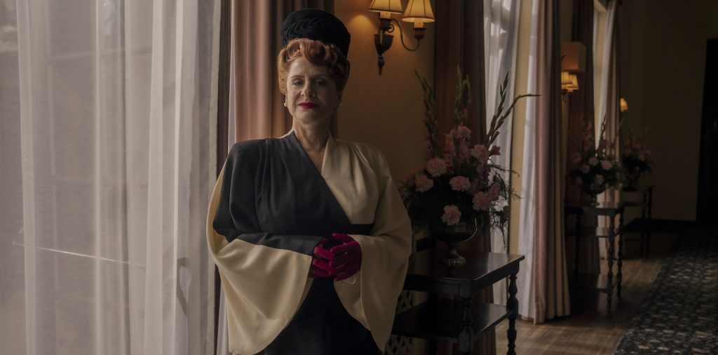 Avis Amberg (Patti LuPone) in 'Holllywood.' Photo by: Saeed Adyan/Netflix (c)2020