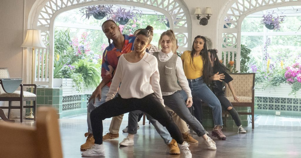 Work It: Nathaniel Scarlette as DJ Tapes, Liza Koshy as Jasmine Hale, Sabrina Carpenter as Quinn Ackerman, Tyler Hutchings as Robby G., Indiana Mehta as Priya, Neil Robles as Chris Royo, Bianca Asilo as Raven of Work It. Cr. Brendan Adam-Zwelling/Netflix © 2020