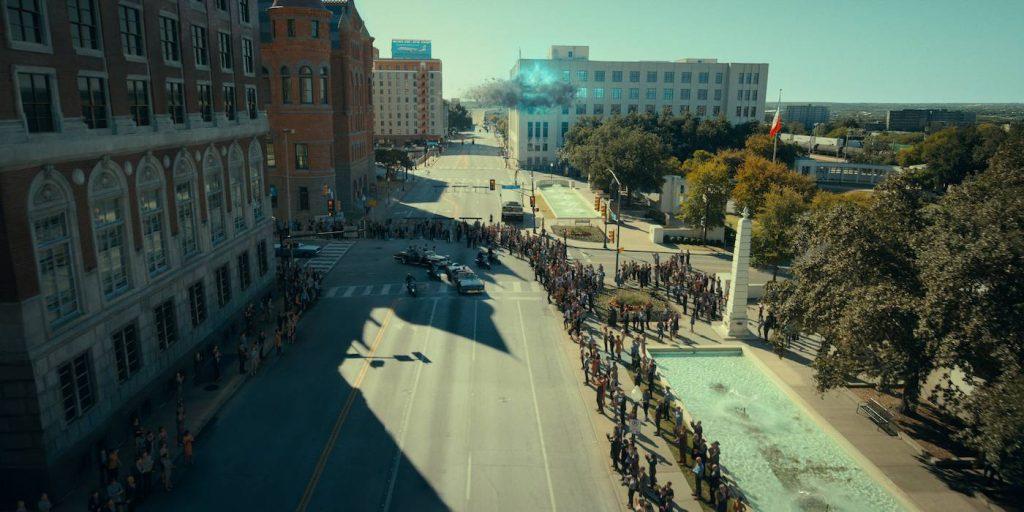 Recreating the presidential motorcade fell. Courtesy Netflix.