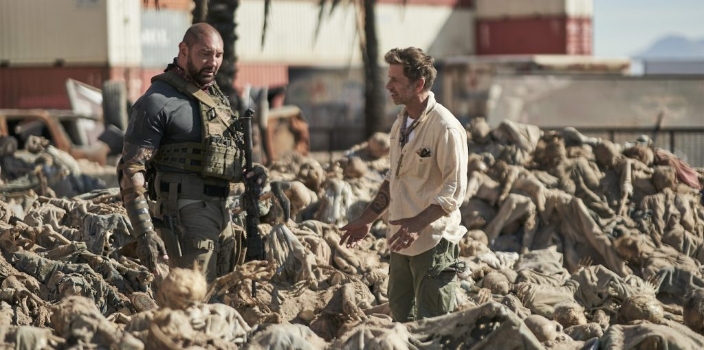 ARMY OF THE DEAD (L to R) DAVE BAUTISTA as SCOTT WARD,ZACK SNYDER (DIRECTOR, PRODUCER, WRITER) in ARMY OF THE DEAD. Cr. CLAY ENOS/NETFLIX © 2021