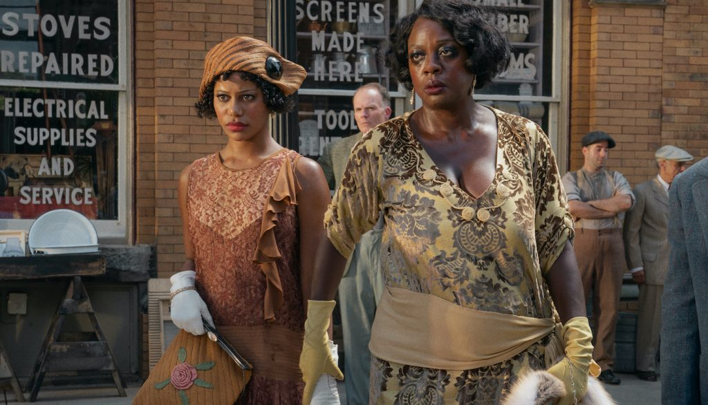 L-r: Taylour Paige and Viola Davis in MA RAINEY'S BLACK BOTTOM(2020). Cr. David Lee/NETFLIX