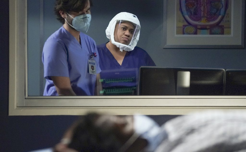 """GREY'S ANATOMY - """"Good as Hell"""" – Amidst the need for more surgeons, Jo tries to convince Bailey to let her switch specialties. Elsewhere, Link accuses Amelia of overstepping while he is treating a patient remotely, and Winston comes up with an out-of-the-box idea on """"Grey's Anatomy,"""" THURSDAY, APRIL 22 (9:00-10:01 p.m. EDT), on ABC. (ABC/Richard Cartwright) CHANDRA WILSON"""