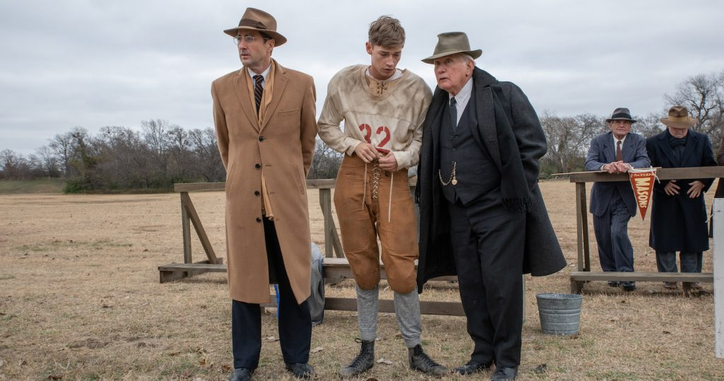 Left to Right: Luke Wilson as Rusty Russell, Jacob Lofland as Snoggs, Martin Sheen as Doc Hall in 12 MIGHTY ORPHANS. Photo by Laura Wilson. Courtesy of Sony Pictures Classics.