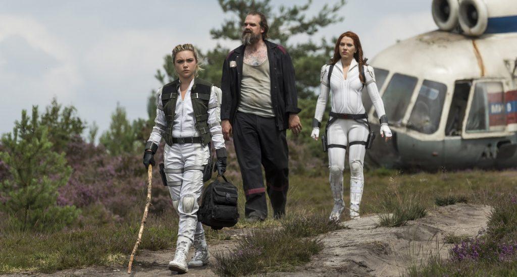 L-r: Yelena (Florence Pugh), Alexei (David Harbour), and Black Widow/Natasha Romanoff (Scarlett Johansson) in Marvel Studios' BLACK WIDOW. Photo by Jay Maidment. ©Marvel Studios 2020.