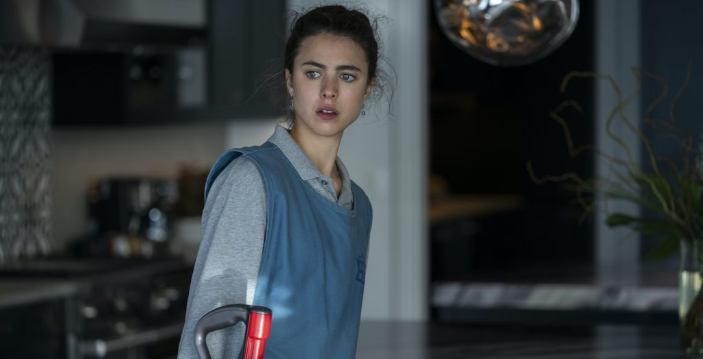 MAID (L to R) MARGARET QUALLEY as ALEX in episode 101 of MAID Cr. RICARDO HUBBS/NETFLIX © 2021