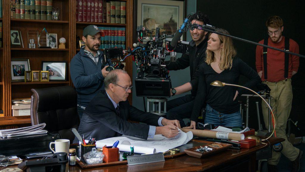 Michael Keaton, Director Sara Colangelo and Director of Photography Pepe Avila Del Pino. Cr: Monika Lek/NETFLIX