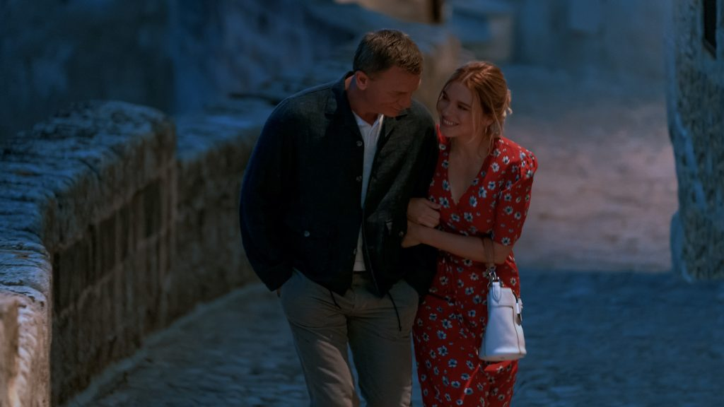 Daniel Craig stars as James Bond and Léa Seydoux as Dr. Madeleine Swann in NO TIME TO DIE, an EON Productions and Metro-Goldwyn-Mayer Studios film Credit: Nicola Dove © 2021 DANJAQ, LLC AND MGM. ALL RIGHTS RESERVED.